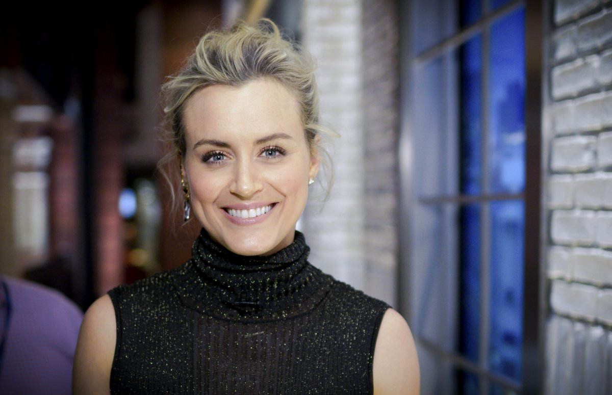 Taylor Schilling to be Honored by New Bedford Festival Theatre – New